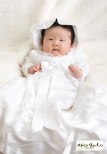 白いドレスで、優しい雰囲気で お宮参り 中央区よりご来店ありがとうございました