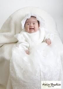 白いドレスでニコニコパチり♡ 男の子 初宮参り