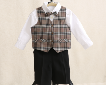 2歳男の子の衣装をご用意いたしました