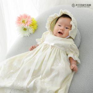 ドレスの優しいお色味がお似合い♡お宮参りおめでとうございます!